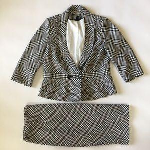 White House Black Market Women's Suit